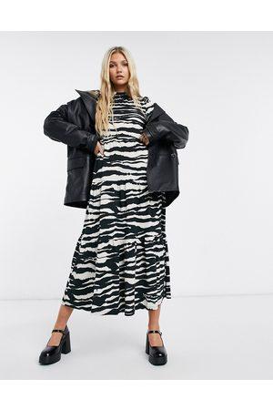 Topshop Tiered midi dress in monochrome animal print-Black