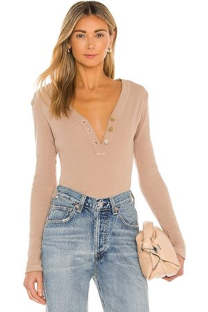 Citizens of Humanity Scarlett Rib Henley in - Nude. Size L (also in M, S, XS).
