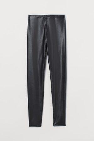 H&M Leggings aus Lederimitat