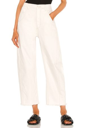 Free People Extreme Barrel Jean in - White. Size 24 (also in 26, 25, 27, 31, 32, 28, 29, 30).