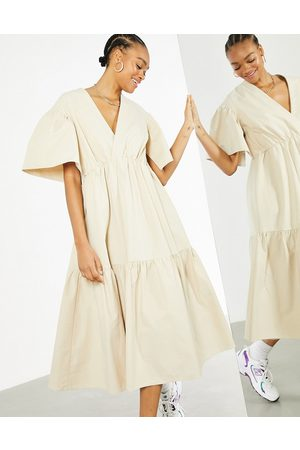 ASOS Damen Freizeitkleider - Wrap tiered midi dress in stone-Neutral
