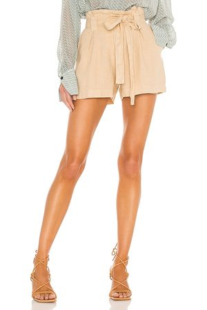 L'Agence Hillary Paperbag Shorts in - Neutral. Size 24 (also in 25, 26, 27, 28, 29, 30).
