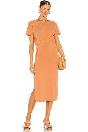 Lovers + Friends Damen Midikleider - Easy Ruched Midi Dress in - Tangerine. Size L (also in XXS, XS, S, M, XL).