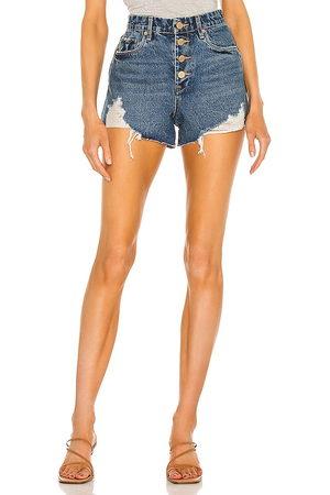 BLANK NYC Damen Shorts - Denim Exposed Button Cutoff Short in - Blue. Size 24 (also in 26, 25, 27, 28, 29, 30, 31).