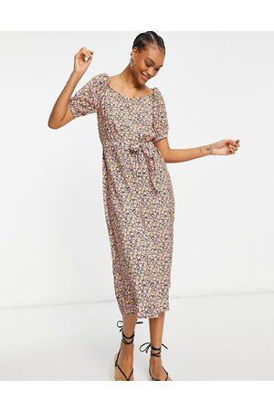 Vero Moda Maxi dress with sweetheart neck in ditsy floral-Multi