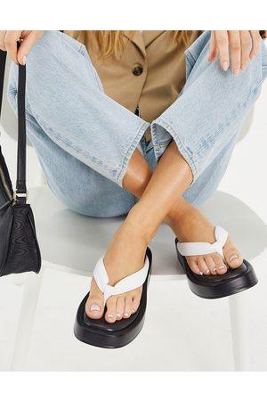 Kaltur Leather flatform flip flop sandals in black