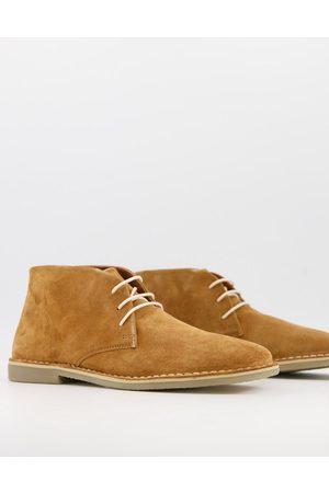 ASOS Desert boots in tan suede-Brown
