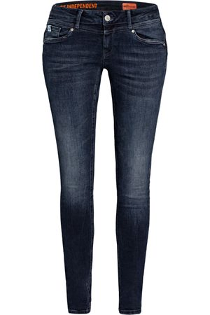 Miracle of Denim Skinny Jeans Ellen