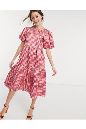 Glamorous Midi volume smock dress in check