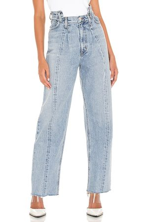 AGOLDE Pieced Angled Jean in - Blue. Size 23 (also in 24, 25, 26, 27, 28, 29, 30, 31, 32).