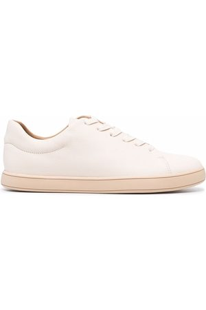 12 STOREEZ Leather lace-up trainers