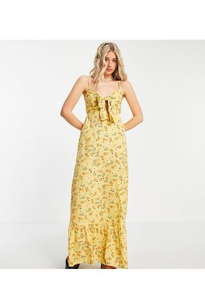 Influence Tall maxi dress in yellow floral print