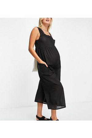 ASOS Damen Jumpsuits - ASOS DESIGN maternity broderie trim jumpsuit in black