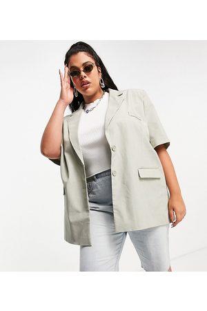 COLLUSION Plus short sleeve longline blazer in light green