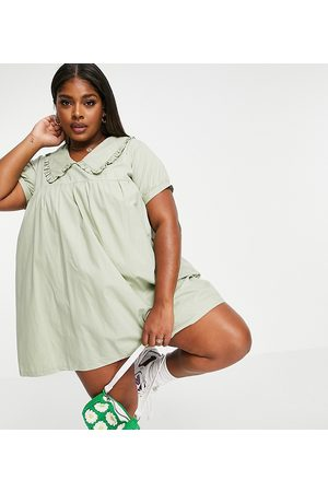 Daisy Street Smock playsuit with oversized collar in pastel-Green