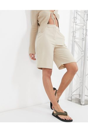 VILA Tailored city shorts co-ord in -Neutral