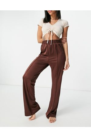 ASOS Jersey slouchy pj suit trackpant in chocolate-Brown