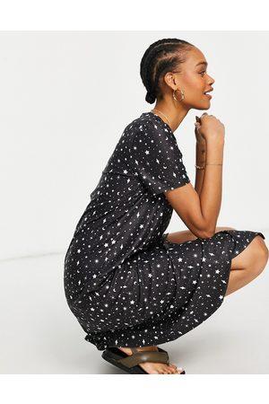 Urban Threads Midi t-shirt dress in black multi celestial print