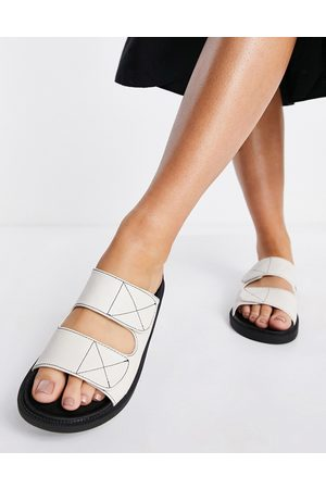 London Rebel Double strap chunky sliders in off-white