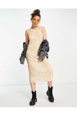Monki Bina plisse midi dress in peach dream print-Multi