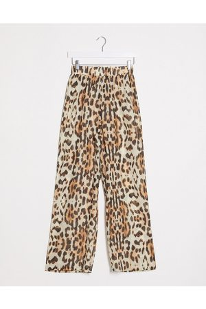Missguided Beach cover up trousers in leopard print-Brown