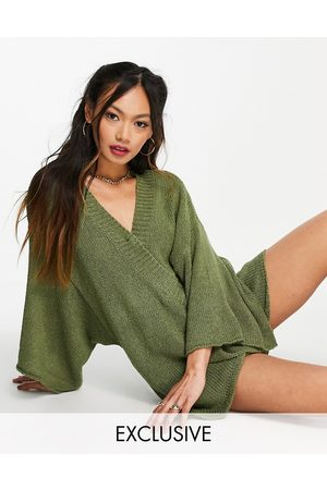 Zulu & Zephyr Damen Jumpsuits - Exclusive knitted wrap over beach playsuit in khaki-Green