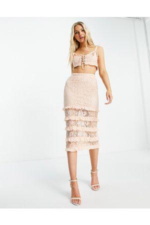 Love Triangle Damen Midiröcke - Lace midi skirt with tiers in apricot co-ord