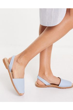 Solillas Leather Menorcan sandals in light blue