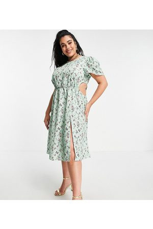 In The Style X Olivia Bowen cut out side maxi dress with thigh split in sage floral print-Multi