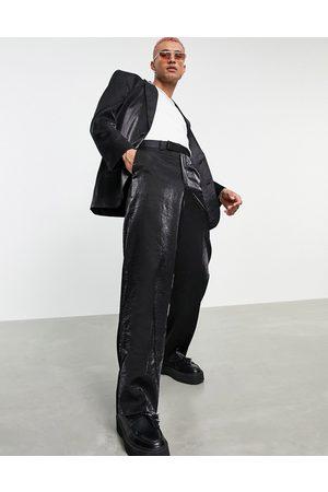 ASOS Herren Blazer & Sakkos - Power shoulder suit jacket in black high shine fabric