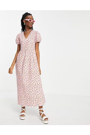 Wednesday's Girl Maxi dress with puff sleeves and full skirt in pretty floral-Pink