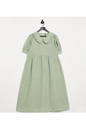 Pieces Plus Pieces Curve puff sleeve midi smock dress in green gingham-Multi