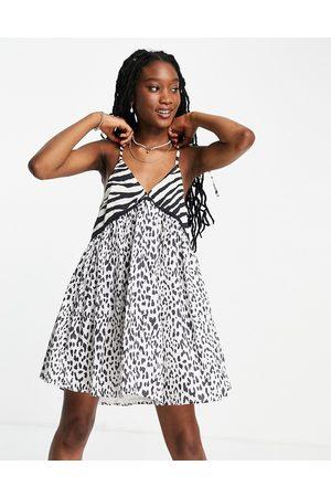 ASOS Damen Trägerlose & variable BHs - Dobby mini smock sundress with tie shoulders in mixed zebra print-Multi