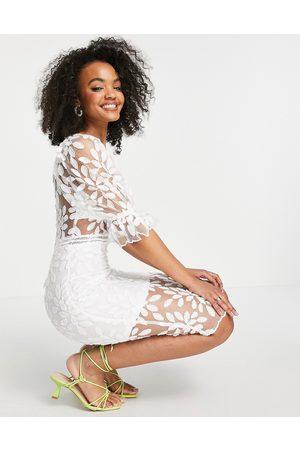Love Triangle Damen Midikleider - Square neck puff sleeve midi dress in white lace
