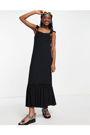 ASOS Damen Freizeitkleider - Frill sleeve maxi sundress with lace inserts in black