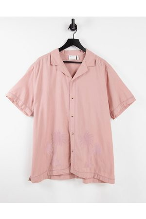 ASOS DESIGN Regular revere linen look shirt in dusty pink with tonal palm embroidery