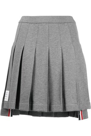 Thom Browne Damen Miniröcke - Logo patch pleated short skirt