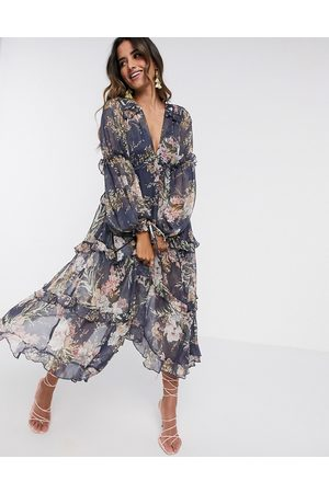 ASOS Damen Bedruckte Kleider - Pleated layered tiered midi dress in navy floral print with lace trim