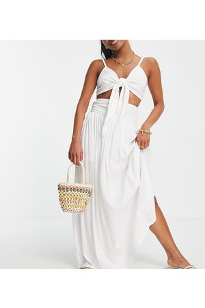 ASOS ASOS DESIGN Petite maxi skirt in crinkle with shirred panel in white