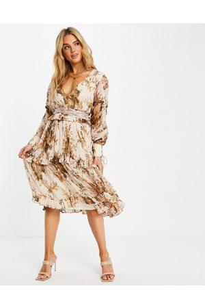 ASOS Damen Bedruckte Kleider - Ruched layered midi dress with macrame belt in floral print-Multi