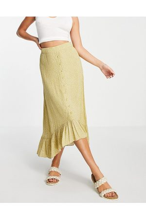 VILA Midi skirt co-ord with tiered hem and button through front in lime spot-Green
