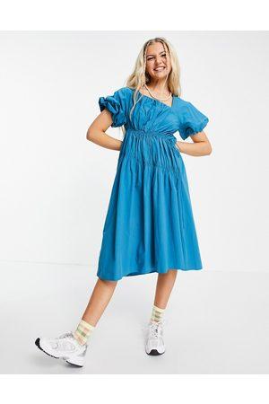 Urban Revivo Damen Freizeitkleider - Gathered detail midi dress in bright blue