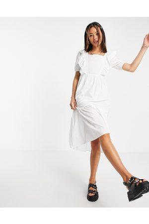 VIOLET ROMANCE Midi dress with ruffle bib in white