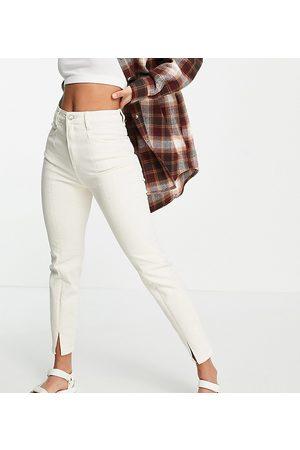 Stradivarius Split front mom jeans with stretch in ecru-White