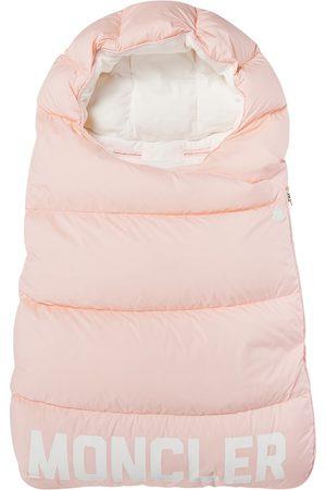 Moncler Baby Schlafsack mit Daunen