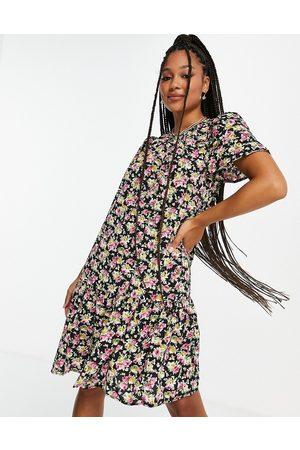 ONLY Tine ditsy print mini dress in black-Multi
