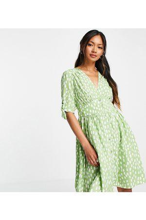 Vero Moda Exclusive mini tea dress in green spot print