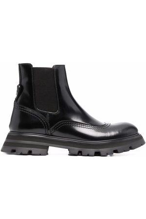 Alexander McQueen Damen Stiefeletten - Ridged-sole ankle boots
