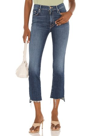 Mother The Insider Crop Step Fray in - Blue. Size 23 (also in 24, 25, 26, 27, 28, 29, 30, 31, 32).