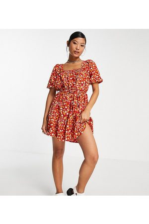 Missguided Ditsy floral smock mini dress in red